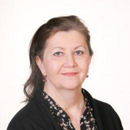 SeniorSurf-toiminnan vastaava asiantuntija Liisa Tiaisen kuva